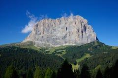 Dolomitespanorama på Sasso Lungo Royaltyfria Bilder
