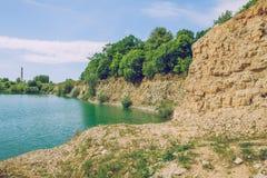Dolomitevillebrådet och grren vattensjön Royaltyfri Bild