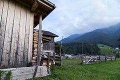 Dolomitgebirgslandschaft Stockfotos