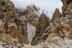 Dolomiti - hohes Mezdi-Tal Lizenzfreie Stockbilder