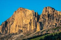 Dolomiti - Latemar alla luce di tramonto Immagine Stock