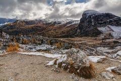Dolomitic Hintergrund von Passo Valparola, Dolomit, Stockfoto