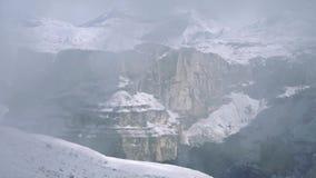 Dolomits στην ομίχλη απόθεμα βίντεο