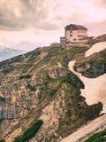 DOLOMITY WŁOCHY, Maj, - 26, 2018: Refugio Auronzo, Alpejska buda 2333m Obrazy Royalty Free