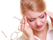 Dolor de cabeza Mujer que sufre del dolor principal aislado Imágenes de archivo libres de regalías