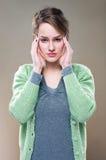 Dolor de cabeza terrible? Imágenes de archivo libres de regalías