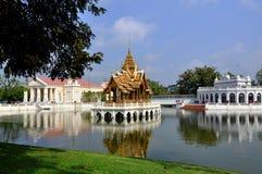 Dolor de la explosión, Tailandia: Palacio de verano real Imagen de archivo