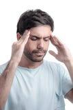 Dolor del sino, presión del sino, sinusitis Hombre triste que lleva a cabo su cabeza fotografía de archivo libre de regalías