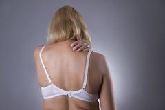 Dolore al collo, massaggio dell'ente femminile, dolore nel corpo del ` s della donna Immagine Stock