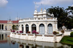 Dolore di scoppio, Tailandia: Ricezione Corridoio del palazzo di estate Immagine Stock
