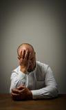 Dolore. Uomo nei pensieri. fotografie stock libere da diritti