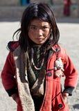 dolpo尼泊尔女小学生藏语 免版税图库摄影