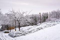 Dolt bostadsområde för snö i Milton Keynes 3 Arkivbilder