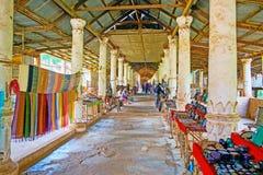 Dolt galleri av marknaden för gästgivargårdThein by, Myanmar Royaltyfria Foton