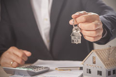 Domów klucze i modela dom Obraz Royalty Free