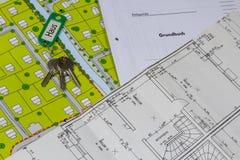 Domów papiery i klucze Obrazy Stock