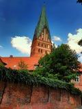 Dom和老历史的房子LÃ ¼ neburg的,德国 库存照片