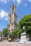 Dom耸立和1月搬运车在中心广场,乌得勒支,荷兰的拿骚纪念碑 免版税库存照片