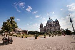 Dom берлинца, музей Altes и берлинец Fernsehturm стоковая фотография rf