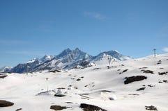DOM attraverso i campi di neve Fotografia Stock