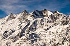 Dom, bergketen Täschorn. royalty-vrije stock afbeeldingen