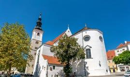 Dom Der瓦豪或圣Veit教区教堂在多瑙河畔克雷姆斯,奥地利 免版税库存照片