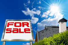Dom Dla sprzedaży - Duży chromu billboard Zdjęcia Royalty Free