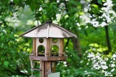 Dom dla żywieniowych wiewiórek Obrazy Royalty Free