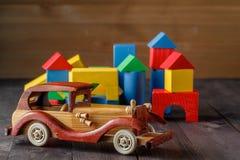 Dom I samochód drewno fotografia stock