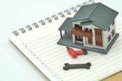 Dom i wyposażenie modele umieszczający na Modelujemy Książkowej ranking listy domu budowie i naprawie używać jako tło własność po fotografia royalty free