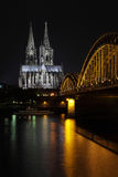 DOM in Keulen, nacht Stock Fotografie