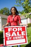 Dom: Kobieta Chce Sprzedawać Do domu Fotografia Stock