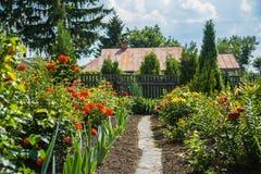 Dom kwiatu ogród fotografia royalty free