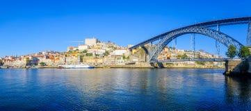 Dom Luis i Ribeira brzeg rzeki w Porto, Przerzucam most Obraz Royalty Free