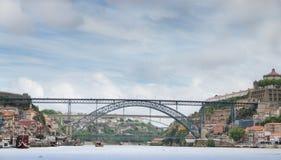 DOM Luis Oporto, Portogallo di Ponte del ponticello fotografie stock