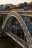 DOM Luiz Ι γέφυρα πέρα από τον ποταμό Douro στο Πόρτο Πορτογαλία Στοκ εικόνες με δικαίωμα ελεύθερης χρήσης