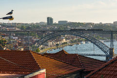 Dom Luiz I brug over Douro-rivier in Porto portugal Royalty-vrije Stock Afbeeldingen
