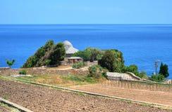 Dom na brzeg morze egejskie, góra Athos Fotografia Royalty Free