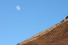 Dom na tle księżyc Obrazy Stock