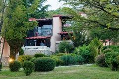 dom na wsi nad zmierzchem Zdjęcia Royalty Free