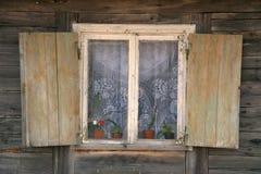 dom na wsi okno Zdjęcia Royalty Free