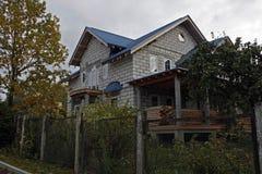 Dom na wsi w scenie apretura Obrazy Royalty Free