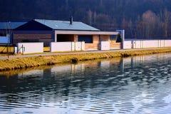 dom odbijająca woda Obraz Royalty Free