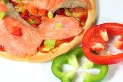 Uwędzona łososiowa pizza Obrazy Stock