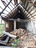 dom rujnujący Obrazy Stock