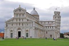 Dom Santa Maria Assunta-und Schiefer Turm von Pisa lizenzfreie stockfotografie