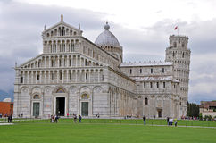 Dom Santa Maria Assunta und Schiefer Turm von Pisa. Cathedral of Santa Maria Assunta and Leaning Tower of Pisa Royalty Free Stock Photography