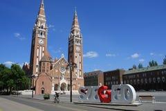 Dom Square och för helig Treenighet kolonn Szeged - Ungern Arkivbild