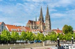 Dom St Peter, la cathédrale de Ratisbonne en Allemagne Photos stock