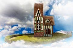 dom w chmurach zdjęcie stock